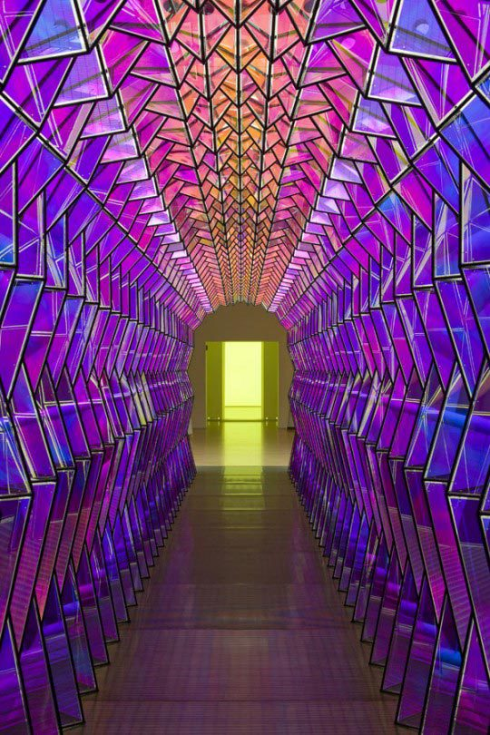 Olafur Eliasson, One-way colour tunnel, 2007